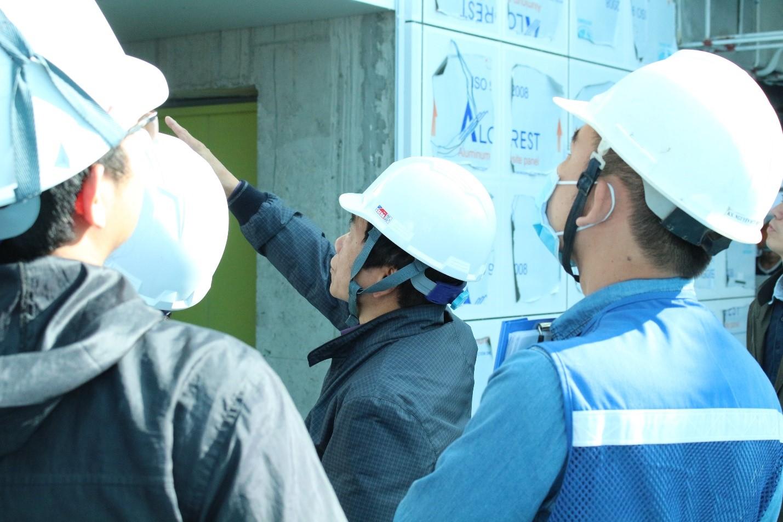 Chủ tịch GP.Invest, nhà lãnh đạo có hơn 40 năm kinh nghiệm trong lĩnh vực xây dựng, thường xuyên kiểm tra công tác thi công tại mỗi Dự án